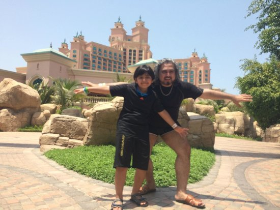 Aquaventure Waterpark: Me and my son at the entrance