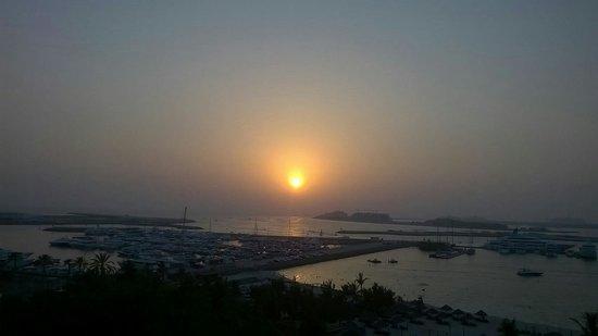 Le Meridien Mina Seyahi Beach Resort and Marina: View from the balcony
