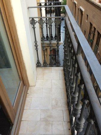 Vincci Palace Valencia: balconcino