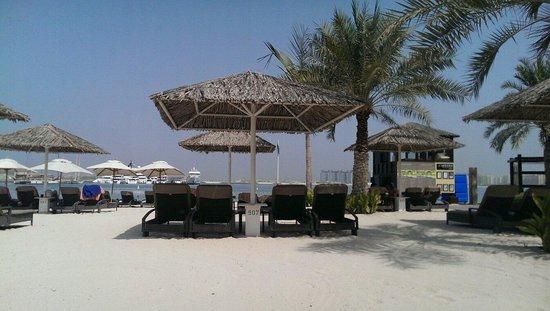 Le Meridien Mina Seyahi Beach Resort and Marina: The private beach