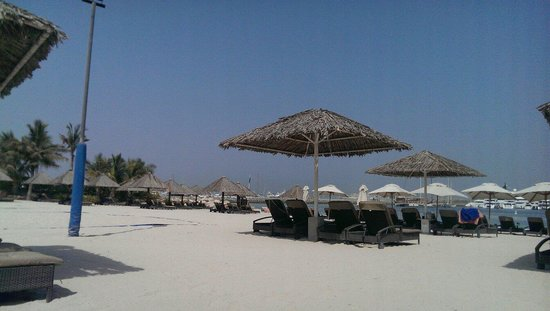 Le Meridien Mina Seyahi Beach Resort and Marina: The beach
