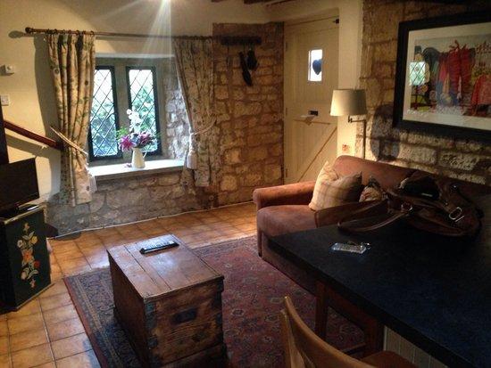 Falkland Arms: The Cottage