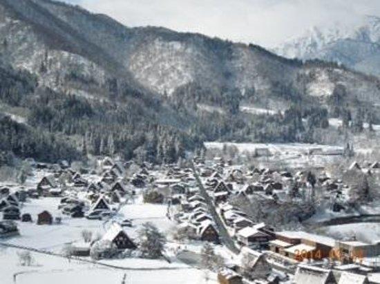 Isite Takayama - Day Tours : 冬の白川郷