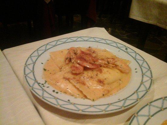 Baia Chia : Равиоли с креветками под трюфельным соусом