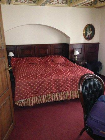 Hotel U Zlateho Stromu: Bedroom