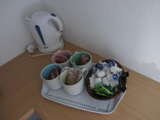 Pier Hotel : Servizio te e caffè