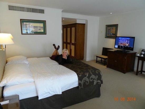 Hotel Bristol : VIEW INSIDE JUNIOR SUITE NUMBER 625, STREET SIDE, AUGUST 2014.