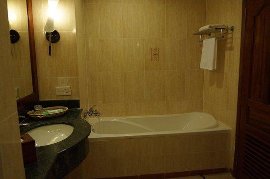 Angkor Paradise Hotel : バスルーム