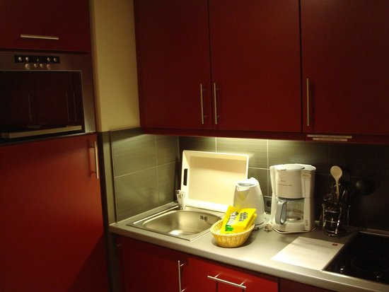 Adagio Muenchen City : Well equipped kitchenette