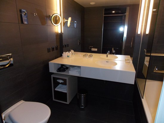 Radisson Blu Hotel, Luzern: Elegant Bathroom