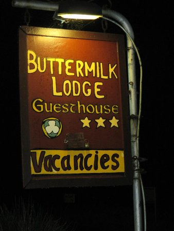Buttermilk Lodge Guesthouse: INSEGNA