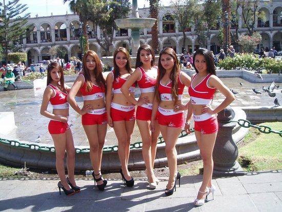 Plaza de Armas: Er de ikke kønne ?