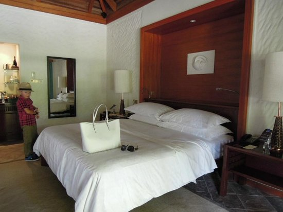 Sheraton Maldives Full Moon Resort & Spa: Our room