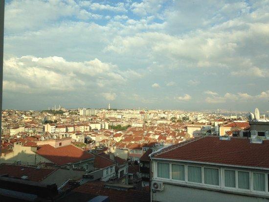 Ramada Istanbul Old City: vista dalla camera