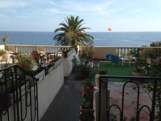 Hotel Cresp : Rooftop terrace overlooking the bay