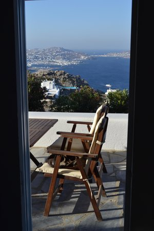 Agnandi Homes and Studios: Veranda view