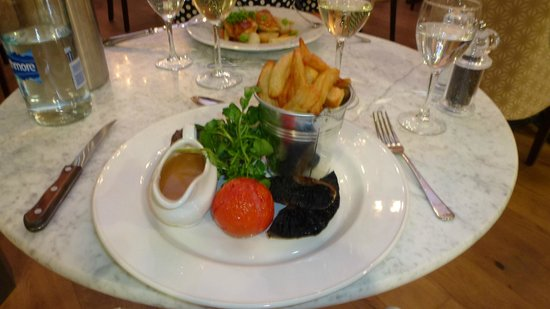 The Gonville Hotel : A main meal from the a la carte menu