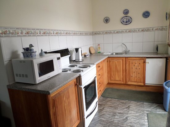 Chimes Guest House : Kitchenette