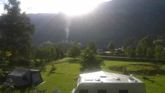 Flam Camping and Youth Hostel: Mise à part le bateau, c'est très beau