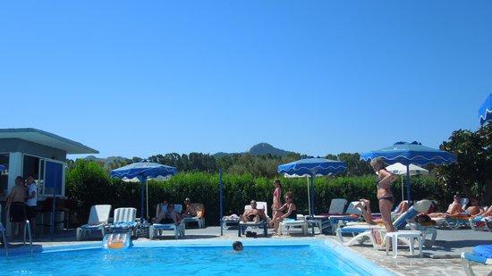 Loutanis Hotel: pool area