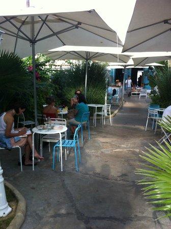 La Mas Bonita: Terraza INTERIOR