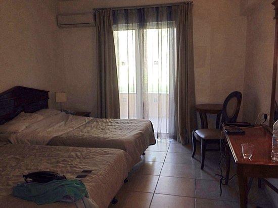 Aquis Sandy Beach Resort: Children's room in family 2 bed