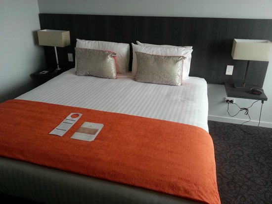Copthorne Hotel Palmerston North: Bed.