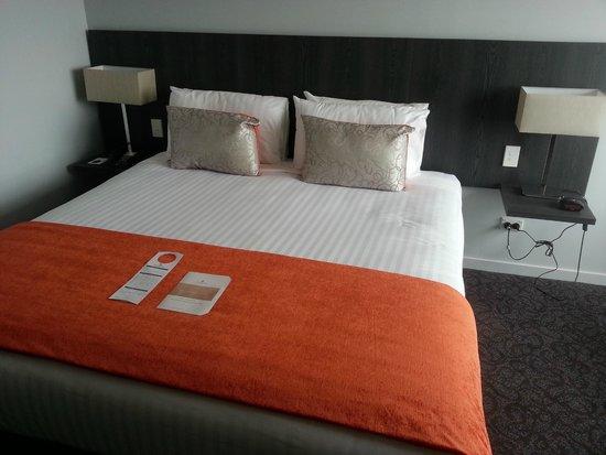 โรงแรมคิงส์เกต พาลเมอร์สตัน นอร์ธ: Bed.