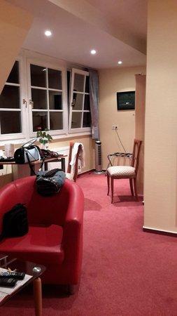 Hotel Villa Monte Vino: 4 местный номер комната №1