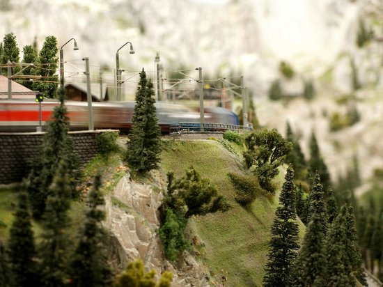 Wonderful World of Trains and Planes: Canadian Layout