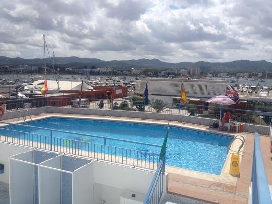 Apartahotel Del Mar : view from sunbed