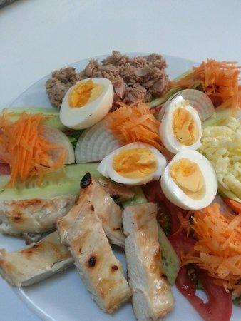Sandys British Pub & Cafe: mixed salad mmmm xxx