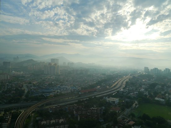 DoubleTree by Hilton Kuala Lumpur: View from Room