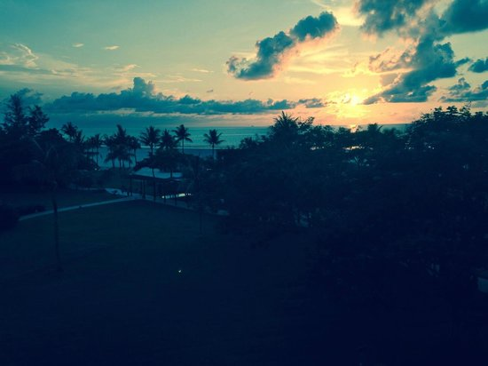 Shangri-La's Rasa Ria Resort & Spa: Sunset