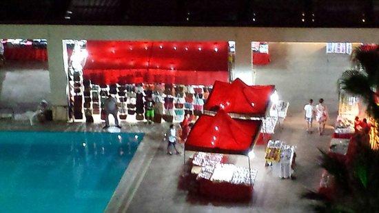 Kervansaray Hotel Kundu : Turkish night.