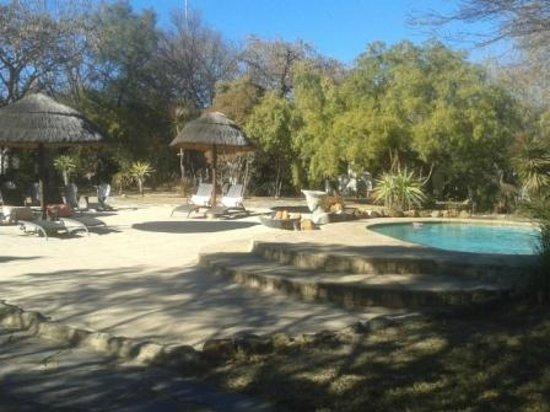 Aquanzi Lodge: pool area