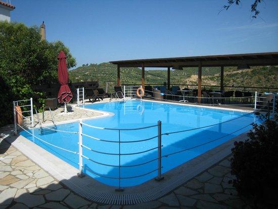 Bacchus : Petite piscine agréable