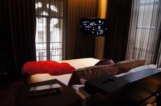 QT Sydney: Photo of Room