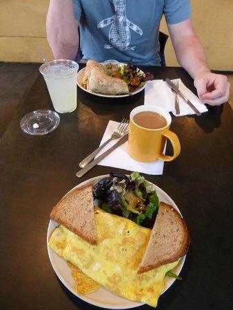 Communitea: breakfast