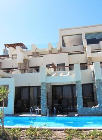 Coral Sea Sensatori - Sharm El Sheikh: Sea View Swim ups and Jacuzzi room 1308 at the top :-)