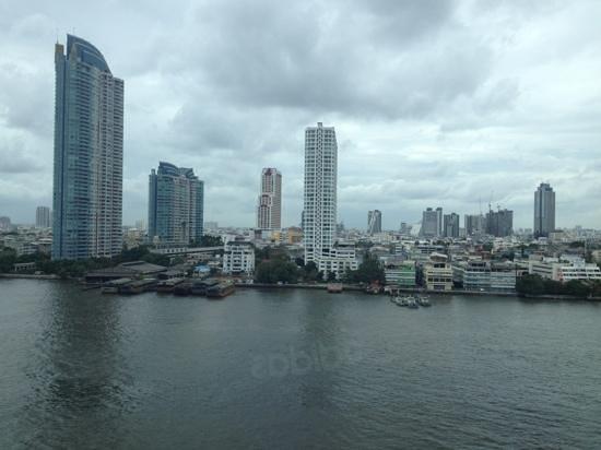 Ramada Plaza Bangkok Menam Riverside: la vista