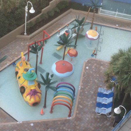 Coral Beach Resort & Suites: The grand kids loved!!