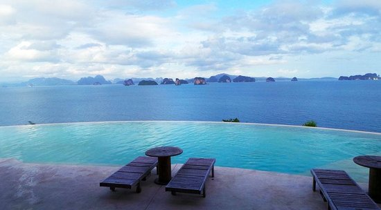 Six Senses Yao Noi : View from the top pool area
