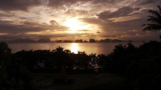 Six Senses Yao Noi : Sunrise. Wake up to this every morning, wow!!!