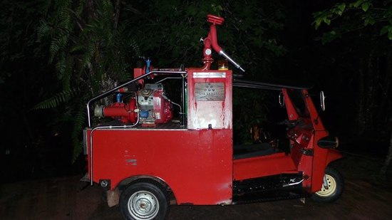 Six Senses Yao Noi : Fire Fighting Tuk Tuk on standby