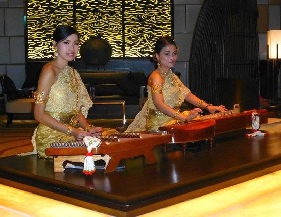 Amari Watergate Bangkok : Music in the lobby