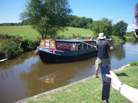 Norton Park - A QHotel: Trip on a narrow boat on the kennet and Avon canal