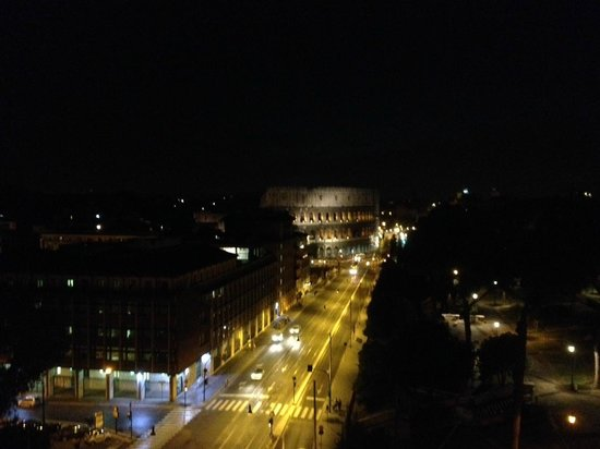 Mercure Rome Colosseum Centre : View from hotel roof at night