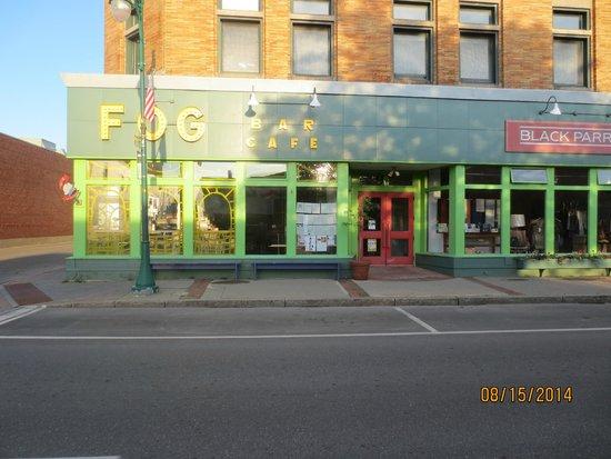Fog Bar & Cafe: entrance