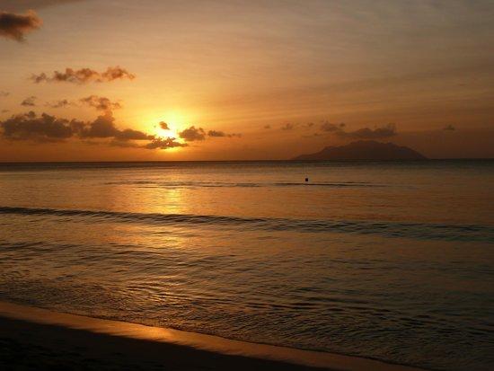 Augerine Guest House : Sunset from Beau Vallon Beach